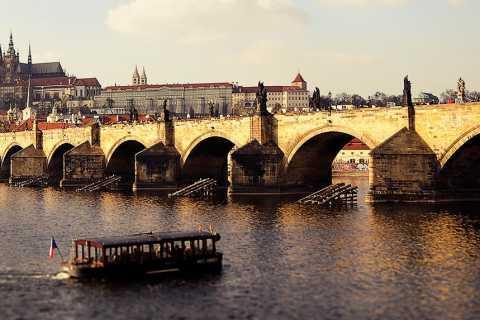 Prag: Halvdagsturné till fots och tränare