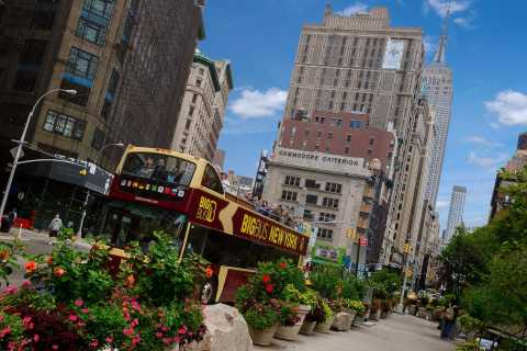 New York: Hop-on Hop-off Bus Tour with 9/11 Museum Ticket