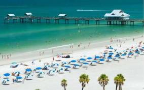 From Orlando: Day Trip to Clearwater Beach with Options
