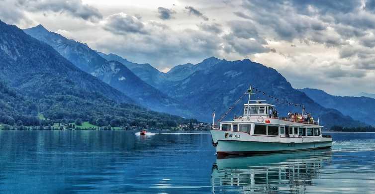 Interlaken: Photogenic City Walking Tour