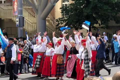 Medieval Tallinn 2-Hour Old Town Walking Tour