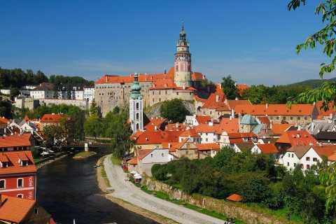 Salisburgo: trasferimento turistico a Praga via Cesky Krumlov