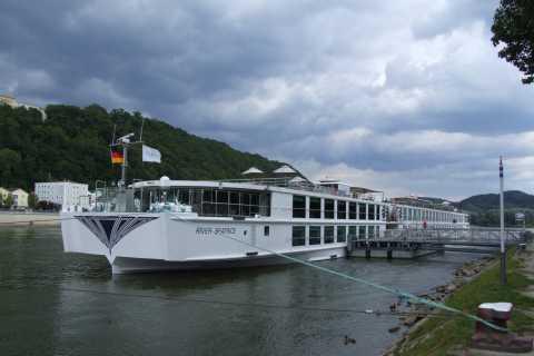 Passau: trasferimento privato di sola andata per Praga