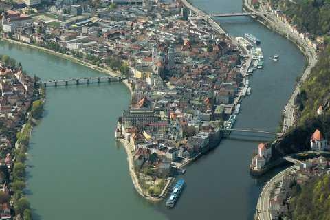 Praga: trasferimento privato di sola andata per Passavia