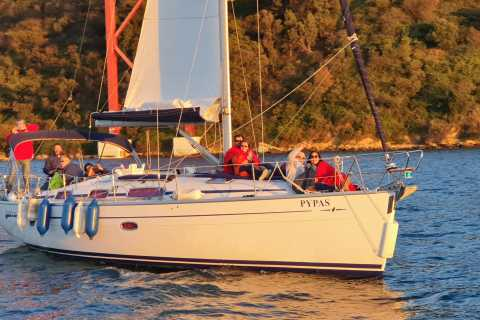 Lisbon: Private Sailing Tour