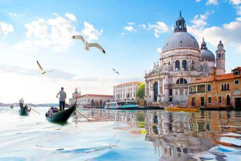 Venice: Murano and Burano Half-Day Lagoon Trip
