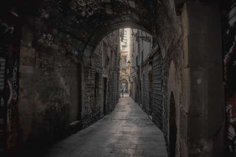 Barcelona: Gothic Quarter Ghost Tour Game