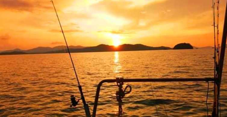 From Phuket: Night Boat Tour with Local Squid Fisherman