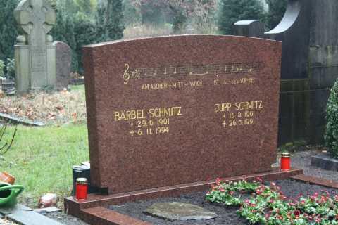 Cologne: Melaten Cemetery Tour in German