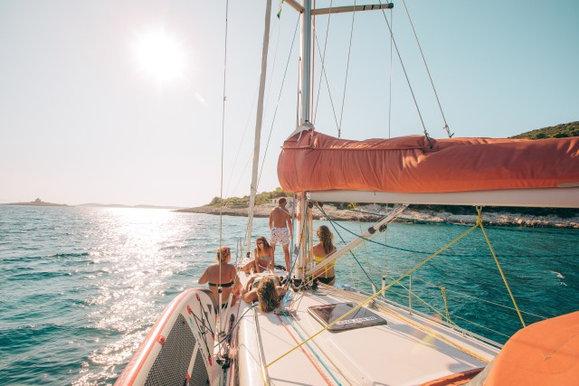 Hvar: Small-Group Sunset Cruise met wijn