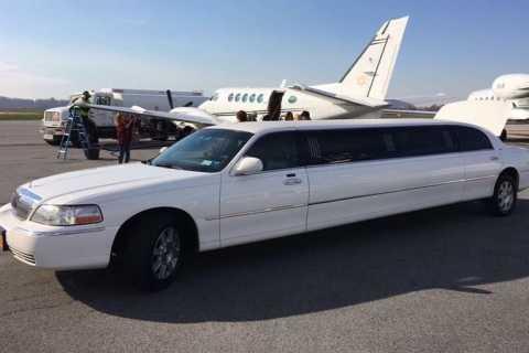 New York: La Guardia Airport Private Limousine Transfer