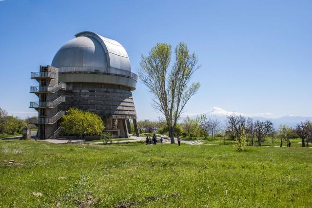 Van Yerevan: Dagtrip naar Byurakan, Oshakan en Amberd Fort