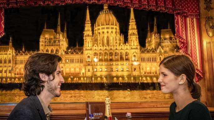 Budapest: cena y paseo por el Danubio con música en vivo