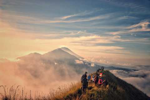 Bali: Sunrise Mount Batur Hike with Breakfast