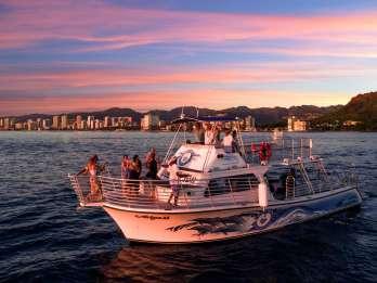 Oahu: Waikiki Sunset Dinner Cruise mit Live-Unterhaltung