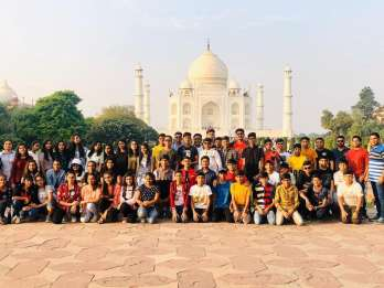 Agra: Taj Mahal Sunrise und Sunset Ganztagestour