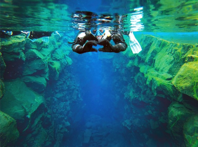Silfra Fissure Snorkeling Tour with Underwater Photos