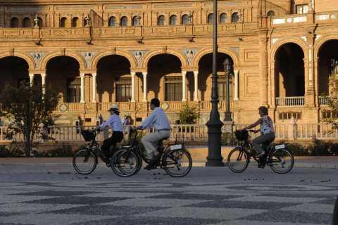 Seville: Landmarks Electric Bike Tour
