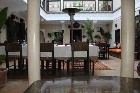 Marrakech: Moroccan Dinner and Live Band Night Experience