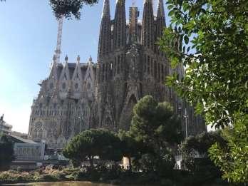 Barcelona: Sagrada Familia Tour mit frühem Eintritt