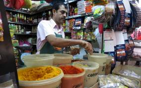 Singapore: Food and Culture Walking Tour in Little India