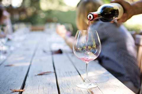 Málaga: tour guiado local de comida y vino