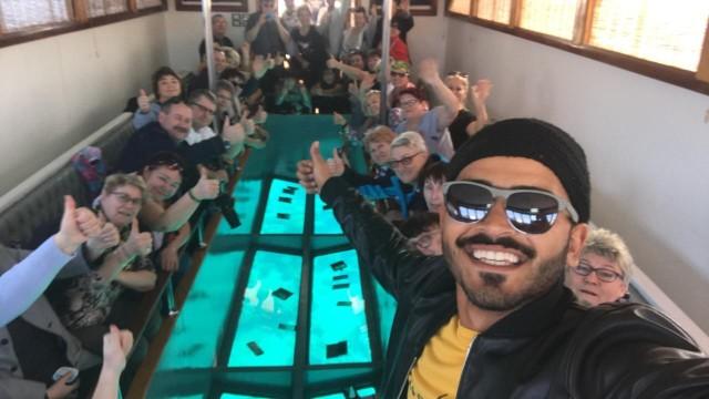 Aqaba: Coral Bottom Boat Tour met open buffet