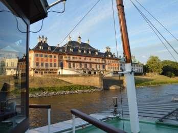 Dresden: Mit dem Schiff über die Elbe zum Schloss Pillnitz