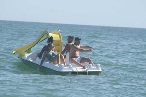 Albufeira: Pedal Boat Rental