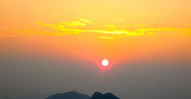 Hong Kong: Lion Rock Sunset Hiking Adventure
