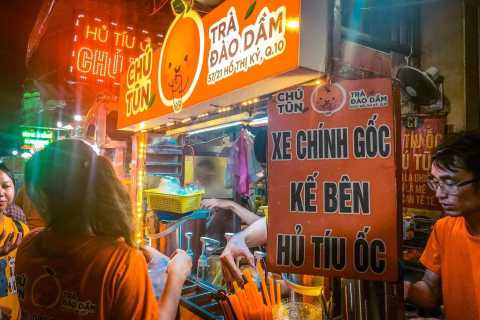 Ho Chi Minh: Traditional Vietnamese Street-Food Tour