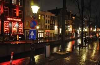 Amsterdam: Rotlichtviertel Tour mit Canal Cruise