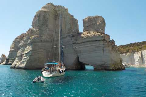 Milos Coves and Caves: Full-Day Family-Friendly Cruise