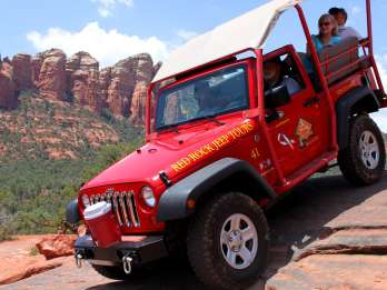 Sedona: Private Soldiers Pass Jeep-Tour