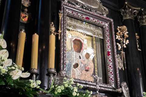From Krakow: Jasna Góra Monastery & Home of John Paul II