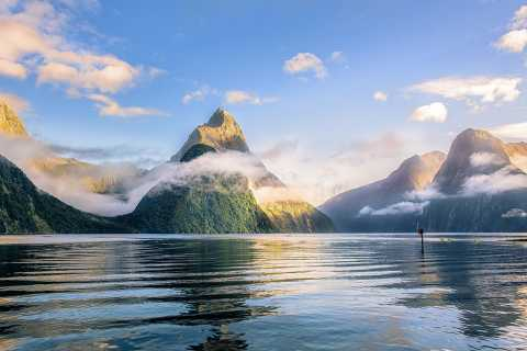Queenstown: Small-Group Tour to Milford Sound with Cruise