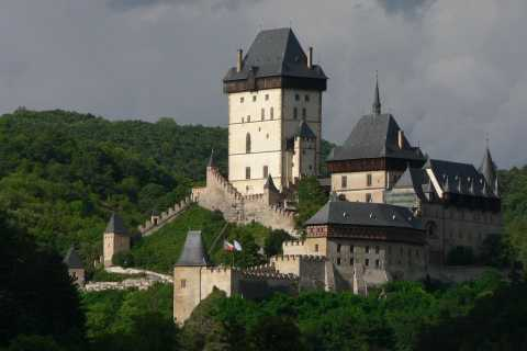 Prague: Karlstejn Castle & Glass Factory Tour with Lunch