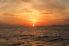 Excursão ao pôr-do-sol em lancha da Ilha Phi Phi