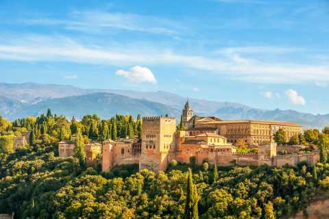 Alhambra & Generalife: Premium Small-Group Tour