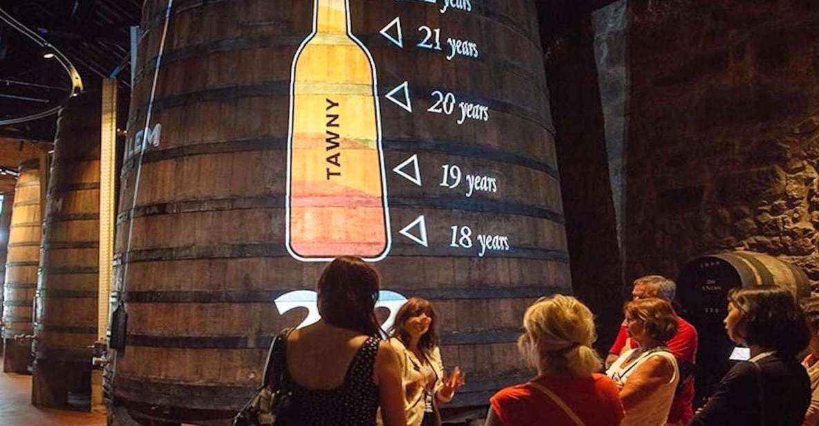 Porto: Adegas de Cálem, Show de Fado e Degustação de Vinhos
