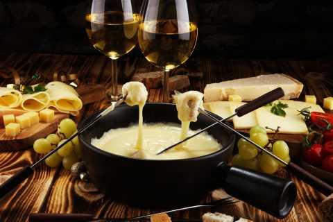 Private Swiss Cheese & Chocolate Tasting Trip in Gruyeres