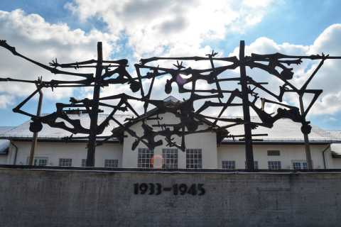 From Munich: Dachau Memorial Site Tour in Spanish