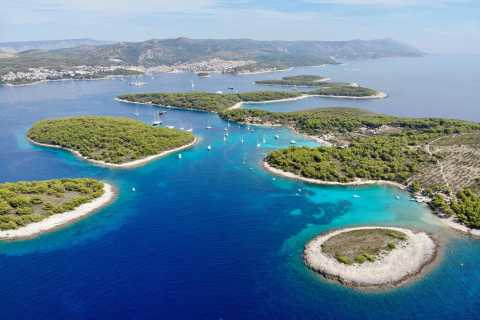 Cruzeiro de barco privado nas Ilhas Hvar e Pakleni