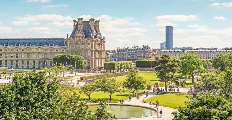 Paris: Louvre Museum Private Family Tour Designed for Kids