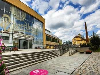 Pilsner Urquell Brauerei & Nižbork Glasswork Tour mit Mittagessen