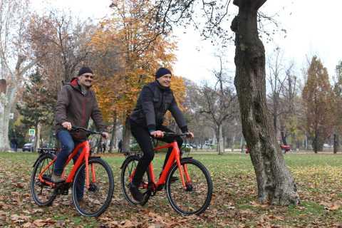Budapest: Comfortable 3.5-Hour Guided E-Bike Tour
