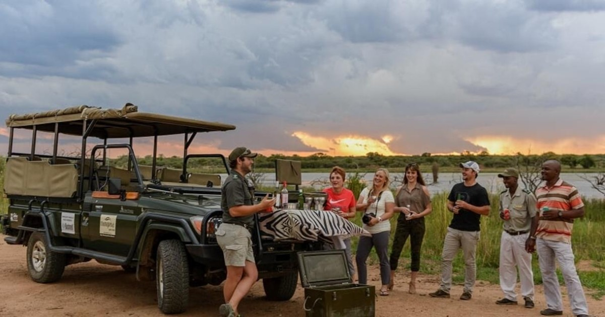 From Johannesburg or Pretoria: Dinokeng Game Reserve Safari