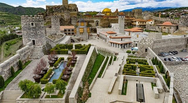 Tbilisi: Private Vardzia, Rabati en Borjomi Tour