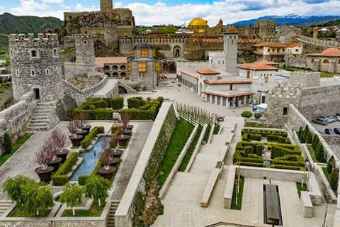Tbilisi: Private Vardzia, Rabati, and Borjomi Tour