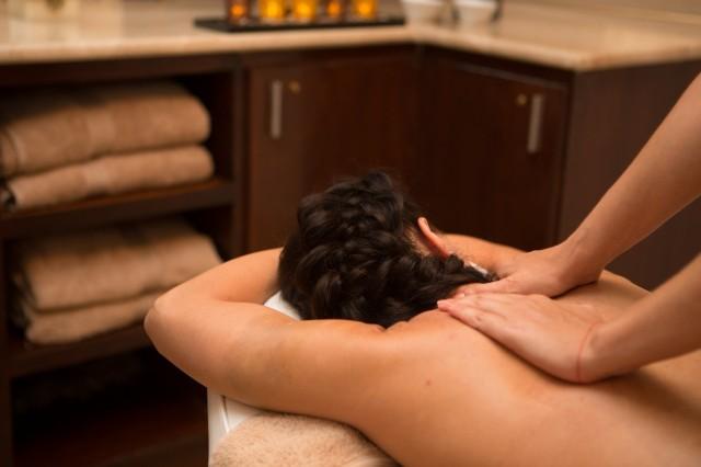 Aqaba: Scrubbehandeling en massage van het Dode Zeezout voor het hele lichaam